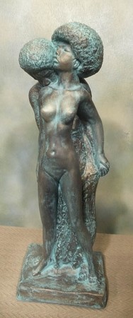 African Lovers Statue