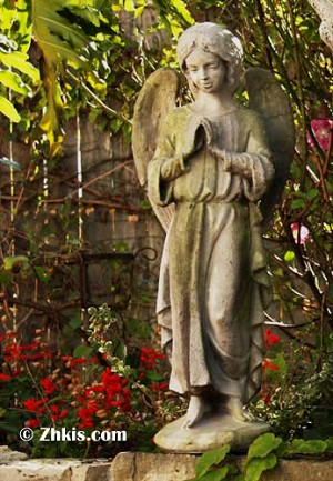 Child Angel Statue Praying